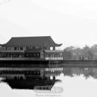 湖边的房子